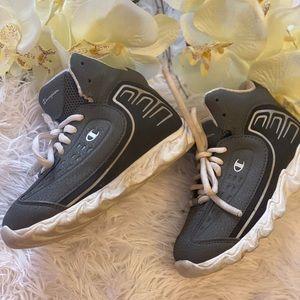 Kids champion shoe